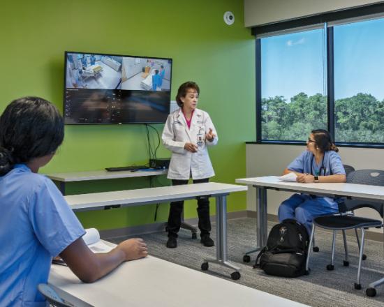 faculty teaching nursing students